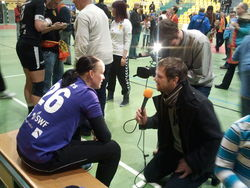 Mandy Burrekers beim Interview